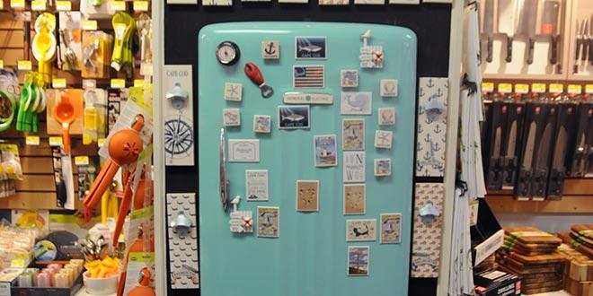 Custom Displays Clean Up Housewares
