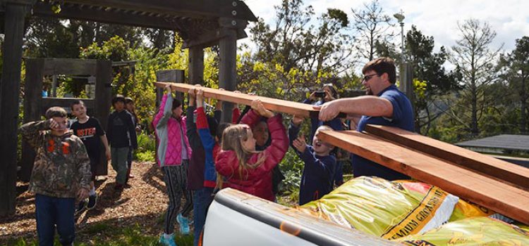Kids Build and Grow With Garden Grant
