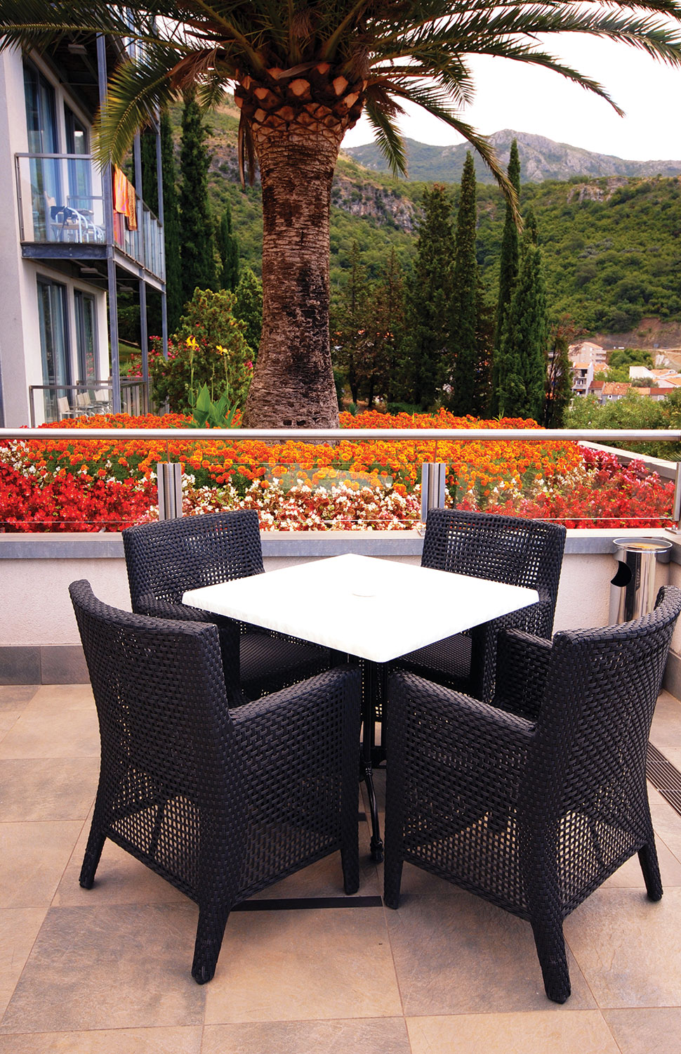 Five Trends in Outdoor Living   Hardware Retailing on Outdoor Living Shop id=33831