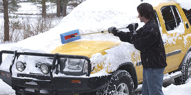 Automobile Snow Brush