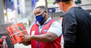 Lowe's associate helping customer