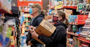 Soft Skills hardware store employee helping customer